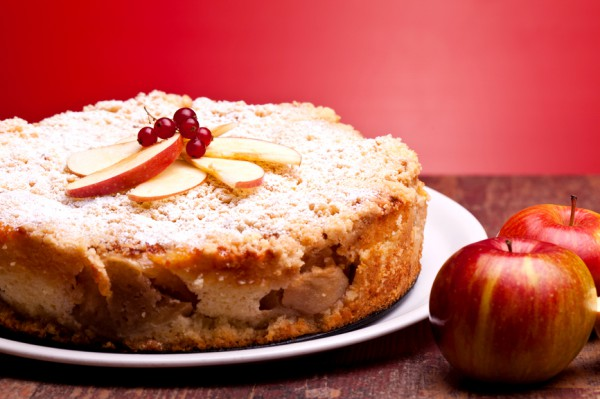 Творожный пудинг с яблоками