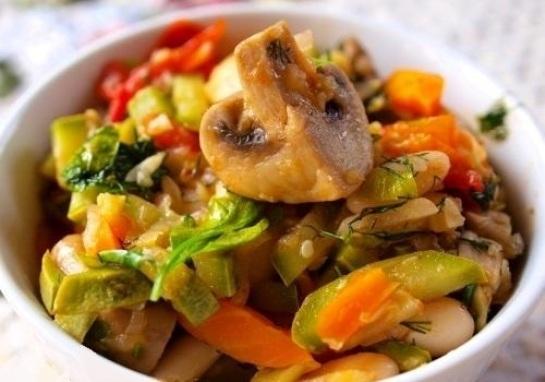 Овощное рагу с грибами и тыквой