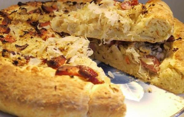 Пирог с квашеной капустой по-немецки