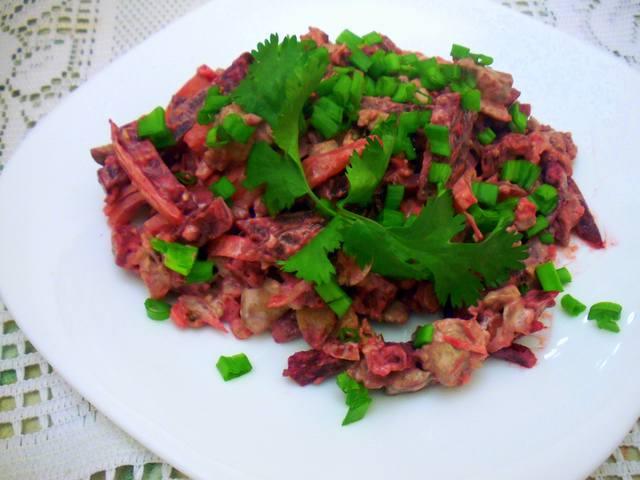 Салат из печени и свеклы