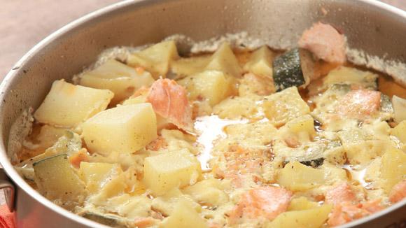 Рагу из лосося и овощей